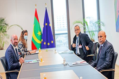 Photo de Le Président de la République s'entretient avec le Président du Conseil de l'Europe