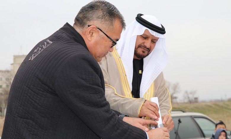 Photo de La Fondation caritative et humanitaire Zayed pose la première pierre de l'Académie islamique au Kirghizstan
