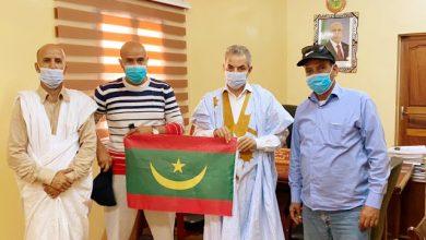 Photo de Le maire de Nouadhibou reçoit les participants mauritaniens a la » Grande compétition marocaine de pêche sportive 2021″