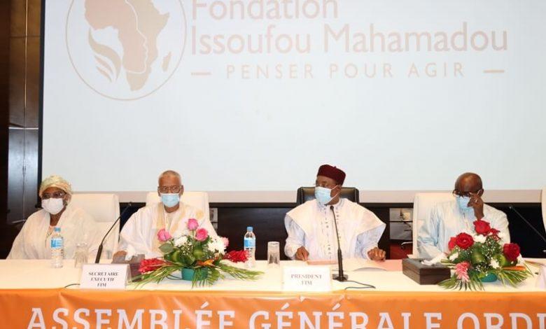 Photo de L'ancien président nigérien Issoufou annonce sa fondation  et choisit le cadre mauritanien Al-Mansour Ould Fadi comme secrétaire général