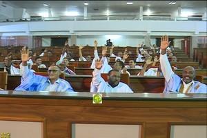 Photo de L'Assemblée nationale adopte un projet de loi relatif à l'évasion fiscale